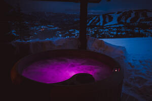 Freeflow Spas Underwater LED Multi-Color Lights Create Perfect Hot Tub Ambience